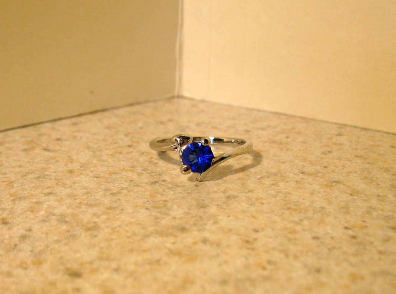 RING WOMENS LADIES GEMSTONE BLUE SAPPHIRE SIZE 6.5 #168