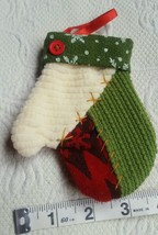 VINTAGE fabric CHRISTMAS ORNAMENT MITTEN • Pre-owned • So cute! - $12.73