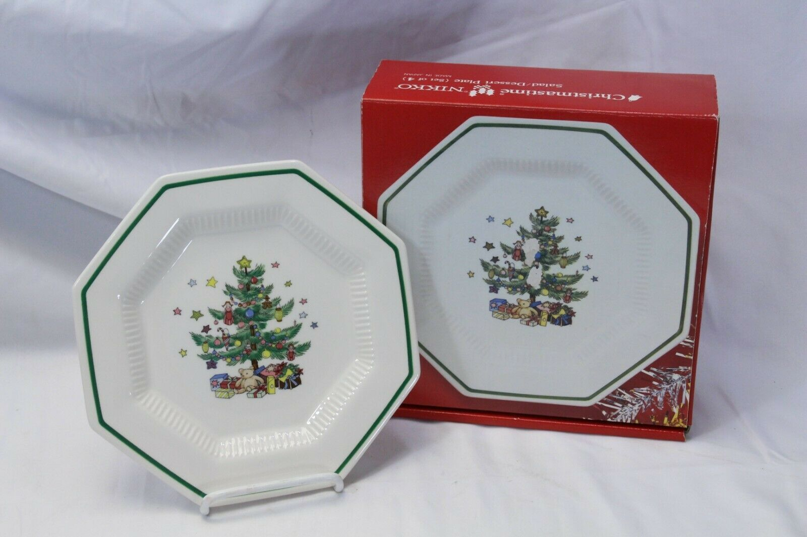 Nikko Christmastime 6 Dinner Plates 4 Salad Plates Lot of 10 image 8
