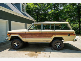 1984 Jeep Grand Wagoneer For Sale In Lewis Center, OH 43035 image 1