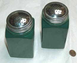 """Vintage Bee House Large 5"""" Green Ceramic Salt & Pepper Shaker Set, Maker... - $24.73"""
