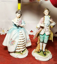 Vintage Lefton China Pair of Colonial Man & Woman Figurines KW7225 image 3