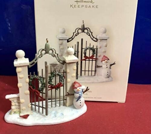 Primary image for Hallmark Ornament THE PARK GATES Winter Park Dated 2007 NIB