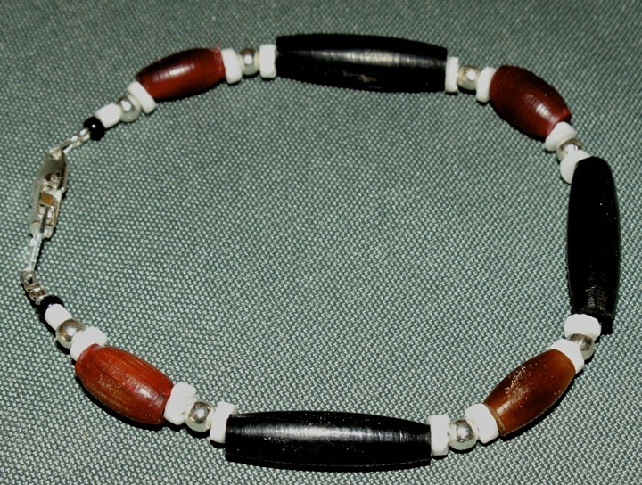 "9-1/8"" Hairpipe Beaded Bracelet,Apache Made, Hair Pipe"