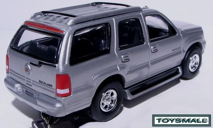KEY CHAIN RING SILVER/PEWTER CADILLAC ESCALADE SUV 4X4