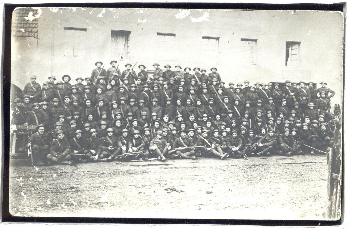 WW 1 Soldiers with rifels  Large group   RPPC    1.21