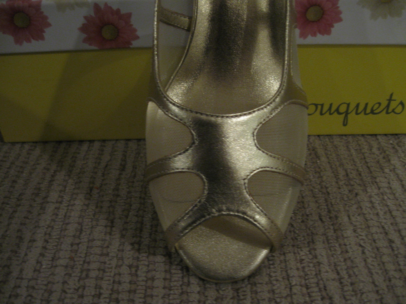 WOMAN SHOES, NEW Bouquets (SMART) Two Size 9W & 9WW