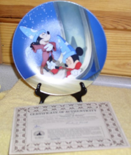 Disney Mickey Sorcerer w/broom dreams of power plate