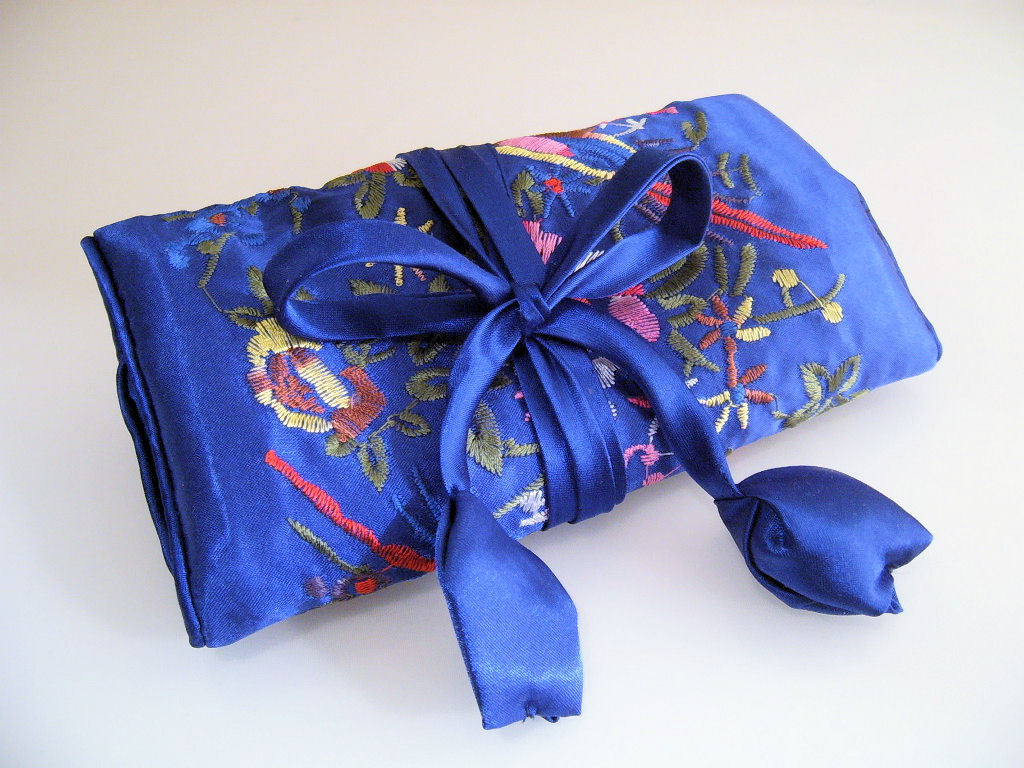 Jewelry roll silk royal blue  1