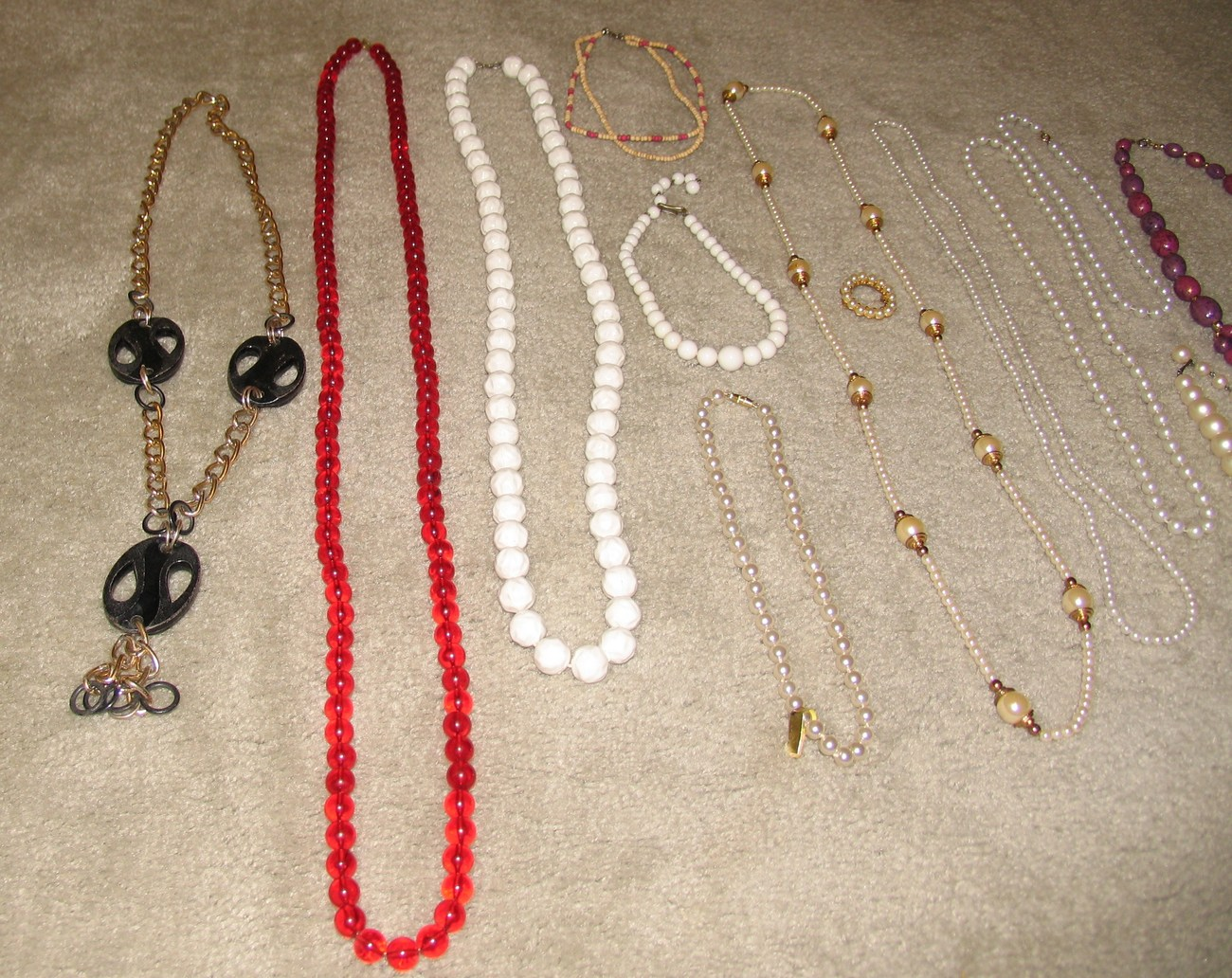 "Vintage Lot: 12 Necklaces 12"" to 50"" length, Faux Pearl, Beads, Goldtone"