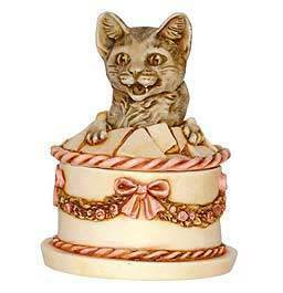Harmony Kingdom Gateau Cat
