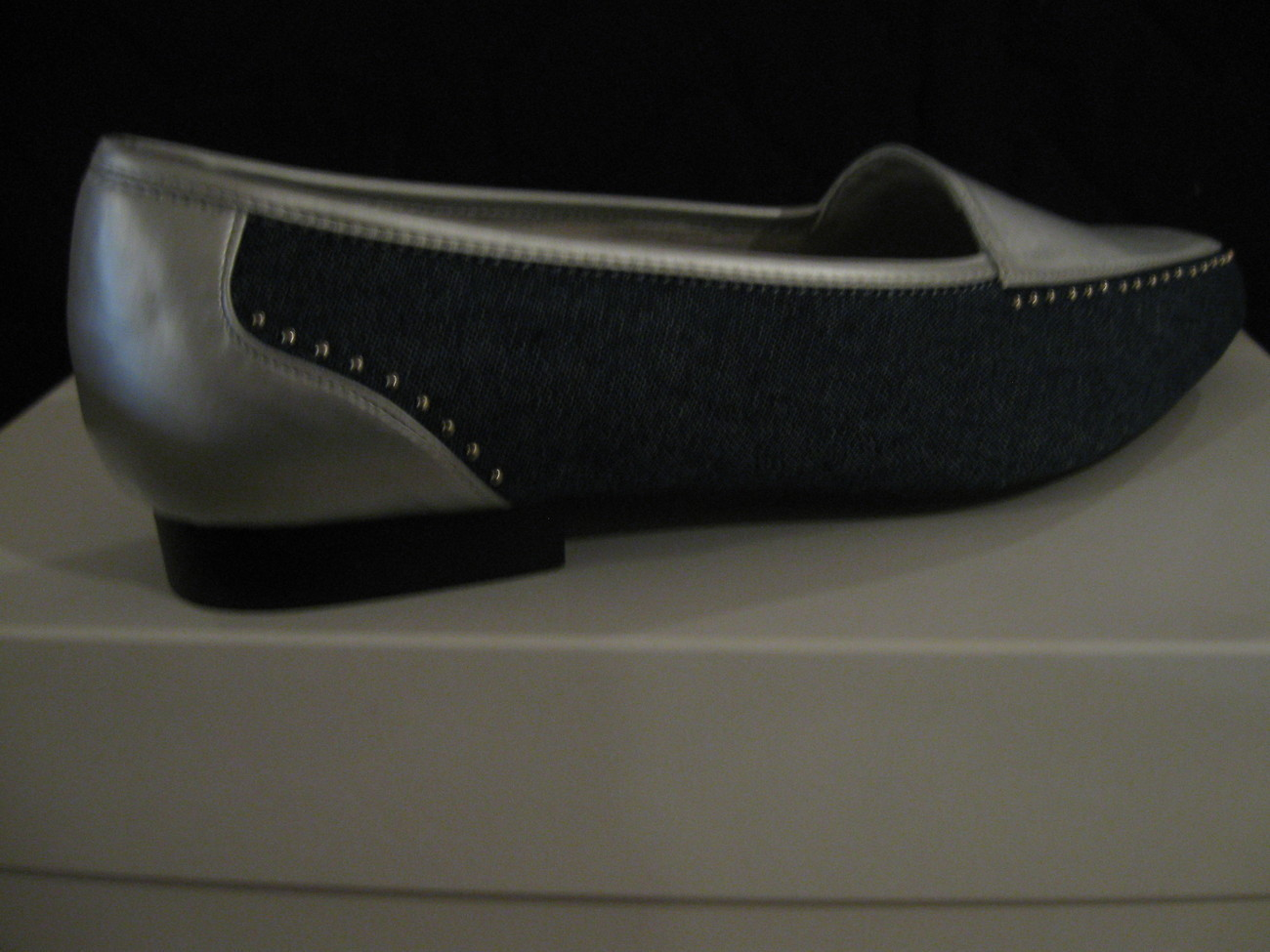 WOMAN SHOES(,NEW )ANNIE FLATS size 8W