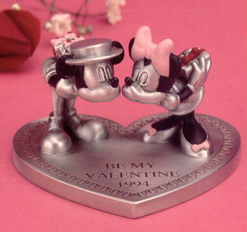Disney Mickey & Minnie Valentine Pewter Figurine