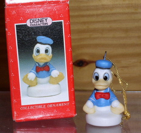 Disney Donald Duck miniature Schmid Pocelain ornament