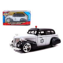 1939 Chevrolet Master Deluxe Police 1/24 Diecast Model Car by Jada 96391 - $40.80