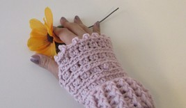 Soft Rose Pink  Fingerless Glove Crochet Handmade - $9.90