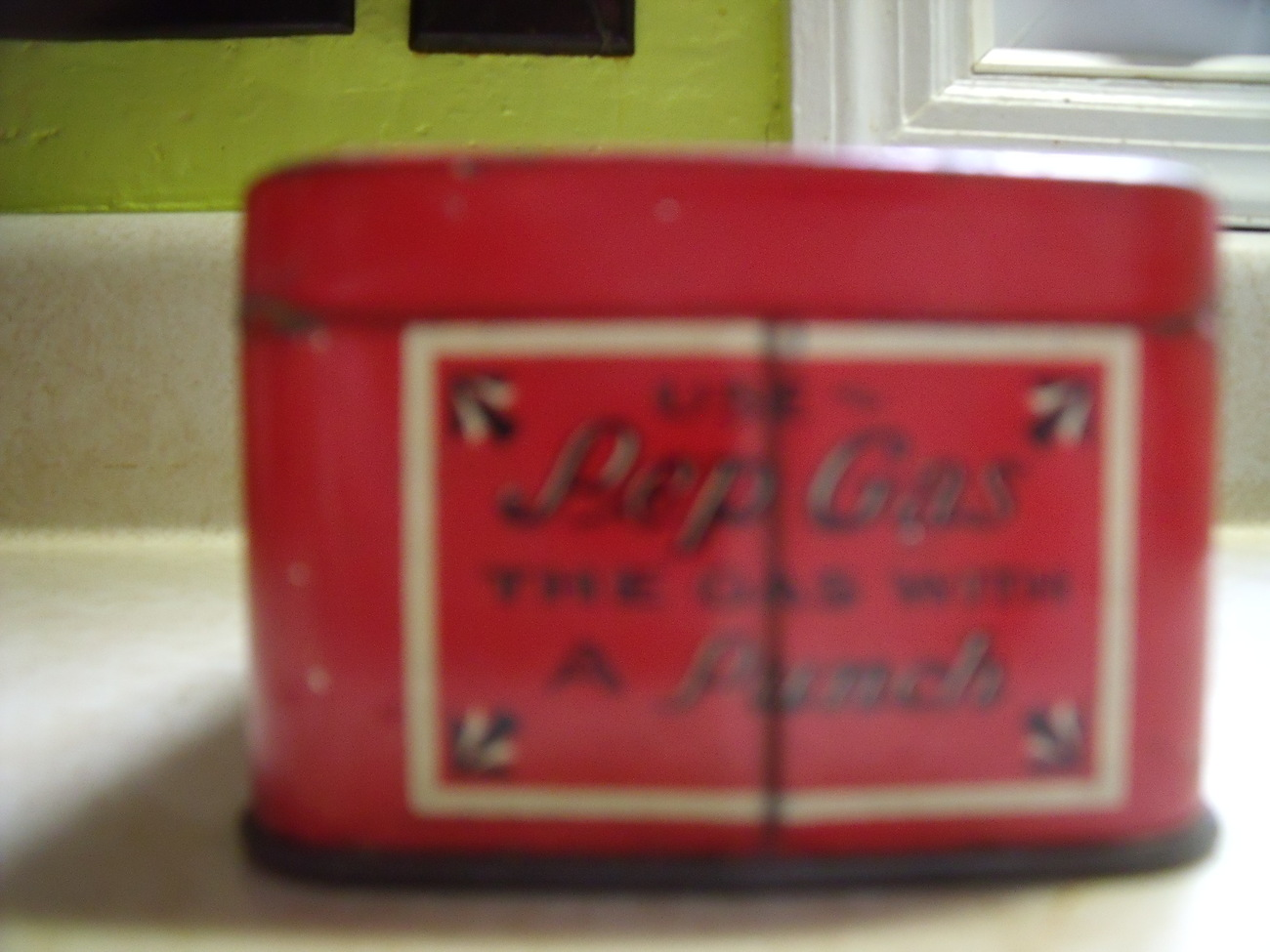 Pep Boys Bulb Kit Tin Box