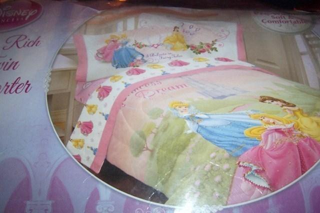 Disney Princess Dream Twin Comforter Cinderella Belle Sleeping Beauty NEW