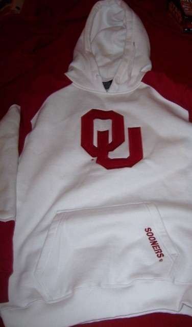 Oklahoma University Pull Over Hooded Sweatshirt SZ Med NWT OU Red White