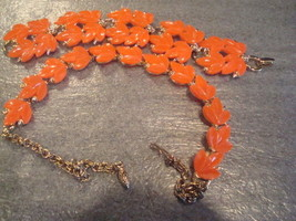 Vintage Bright Orange Lucite Leaf Necklace Bracelet Demi Parure GT Poss ... - $39.59