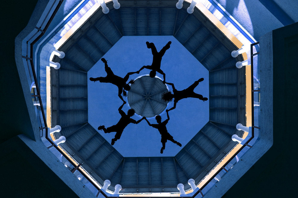 Skydivers Circle Looking Up Perspective - Vinyl Wall Art Dec