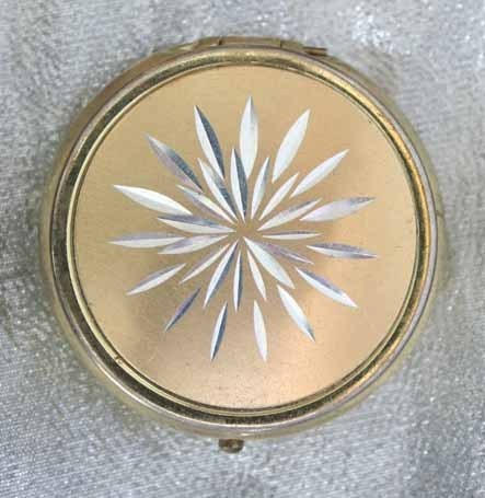 Primary image for Art Moderne 60s Exquisite Incised Goldtone Pill Box
