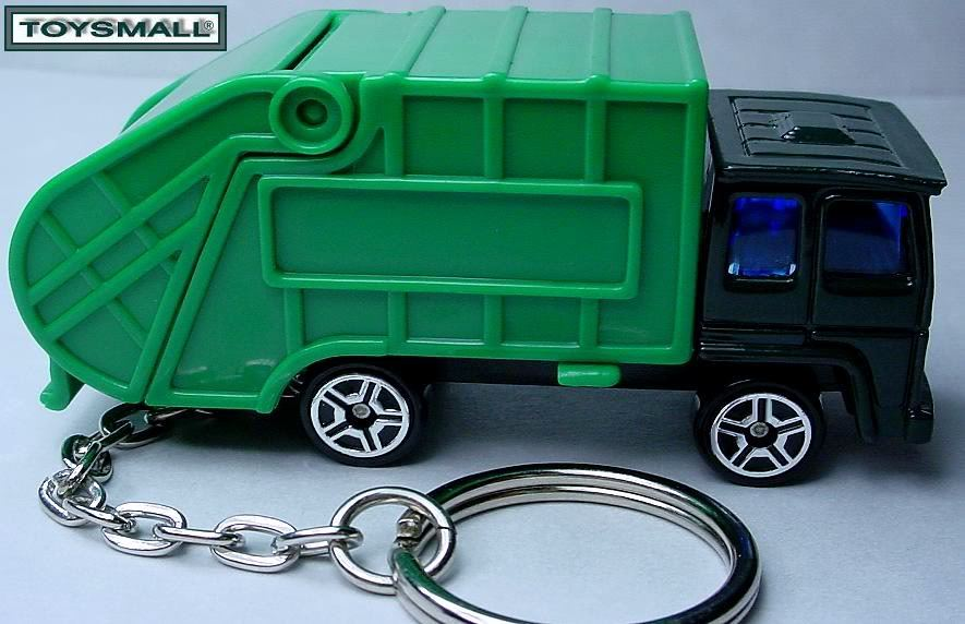 KEY CHAIN GO GREEN TRASH GARBAGE REFUSE RECYCLING PORTE CLE