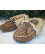 LL Bean Wicked Good Slippers Moccasins Shearling Fur 5 130484 Brown Women - $26.00