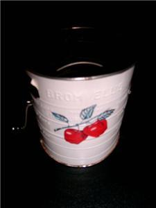 Primary image for Charming Vintage BROMWELL APPLE Graphic Hand Crank Flour Sifter w/ TAG!!