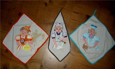 Primary image for Charming Vintage 3pc  DAYS of the WEEK MAMMY KITCHEN TOWELS in Spanish!