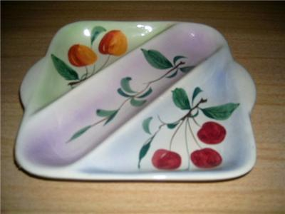 DARLING Handpainted CHERRY/PEACH 3 Section SNACK Dish!
