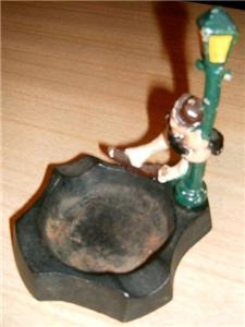 FAB Vintage 50's Figural DRUNK On A LAMP POST Ashtray!!