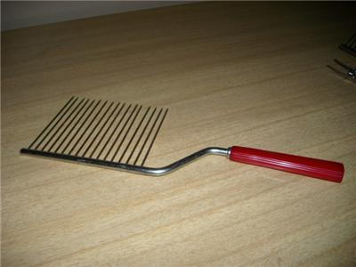 Primary image for Wonderful Vintage 1950's CHERRY RED BAKELITE Cake Cutter/Server