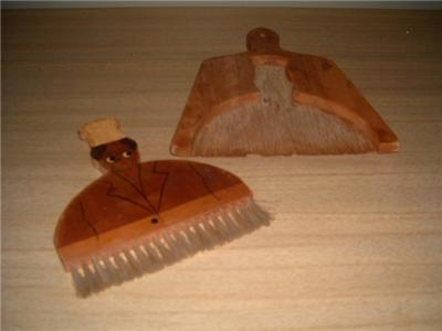 Darling Vintage Wooden JOLLY CHEF Broom & Dustpan Set!!