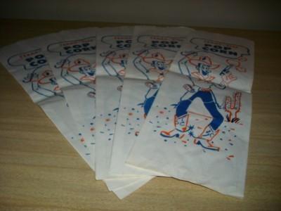 DARLING Vintage COWBOY Graphic TEXAS SIZE POPCORN BAGS!