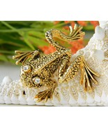 Tree Frog Brooch Pin Rhinestone Eyes Gold Tone Figural St John Knit   - $24.95