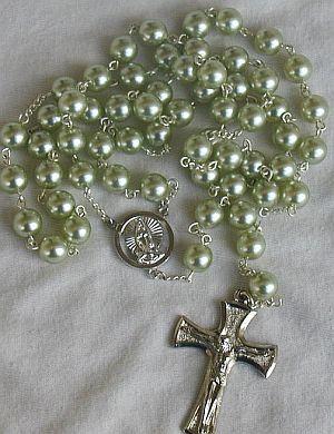 Peridot metal pearls Rosary