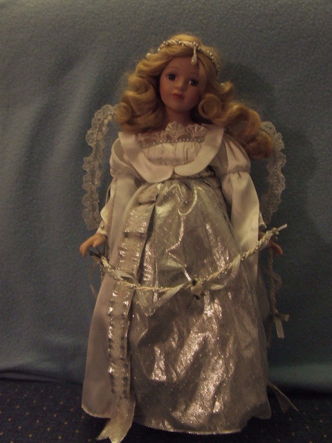Heritage House Ceramic Angel Doll missing tipThumb,Repairable