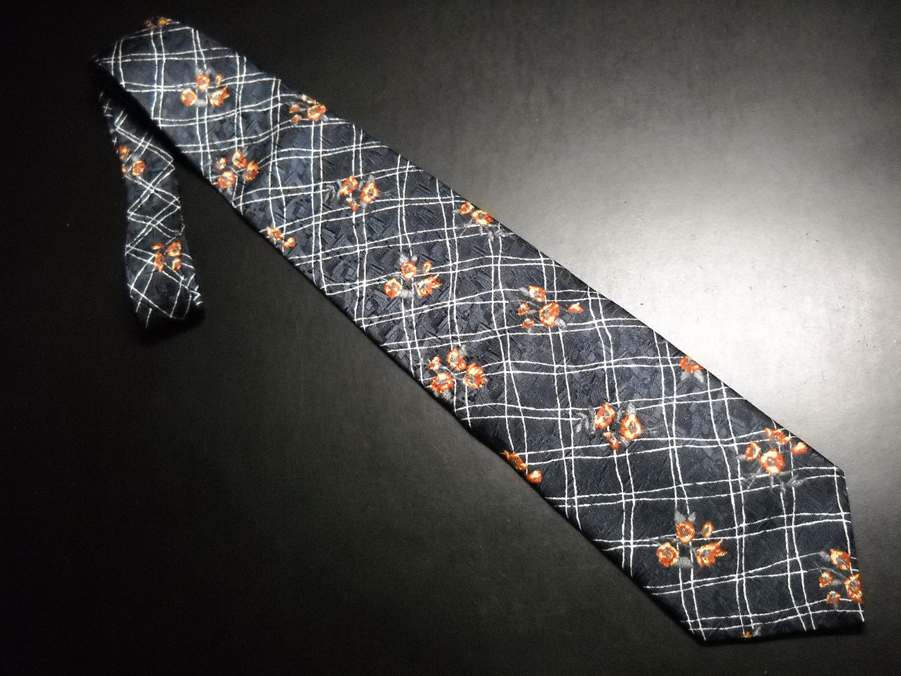 Tie structure blue two tone with orangish flowers 04
