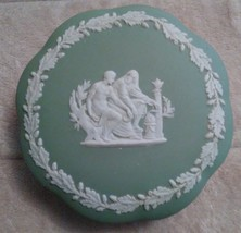 Vintage Wedgwood Green Jasper Ware Icarus Daedalus Scallop Covered Trinket Box - $14.75
