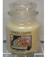 Yankee Candle New Christmas Cookie Medium Jar Candle 14.5 oz - $14.95