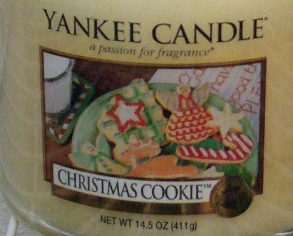 Yankee Candle New Christmas Cookie Medium Jar Candle 14.5 oz