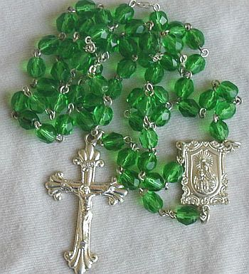 Primary image for Shiny green rosary