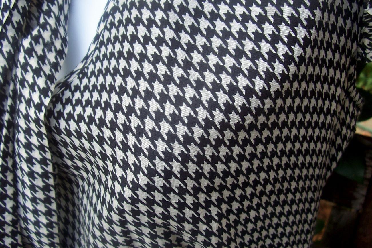 Banana Republic Flirty Silk Herringbone Plaid Bow Blouse Top Shirt Sz M