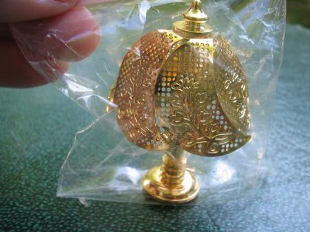 Miniature Dollhouse Decorative Gold Metal Lamp NIP
