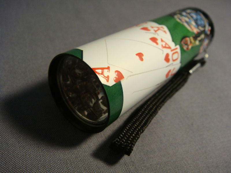 "CASINO POKER ROYAL FLUSH THEMED 3"" MINI LED FLASHLIGHT"