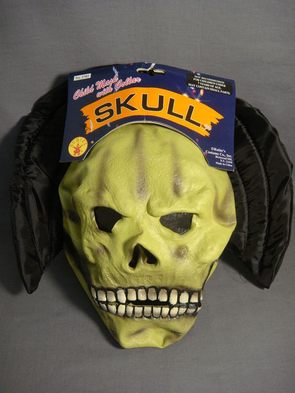 EVIL SKULL HALLOWEEN CHILD LATEX MASK WITH COLLAR NEW