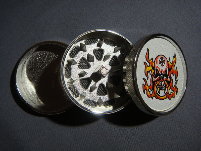 FLAMING BIKER SKULL TATTOO GRINDER HAND MULLER NEW