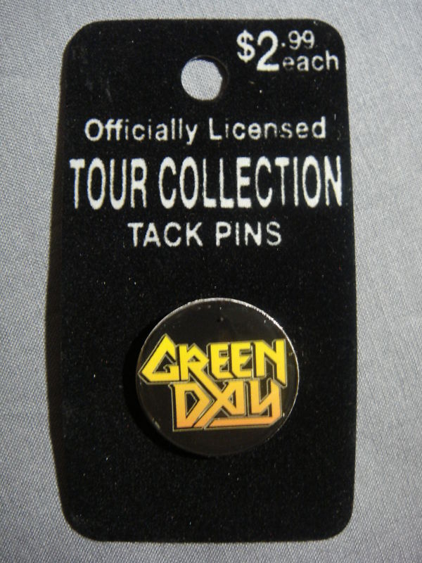 GREEN DAY YELLOW METAL GOD LOGO TOUR COLLECTION PIN NEW