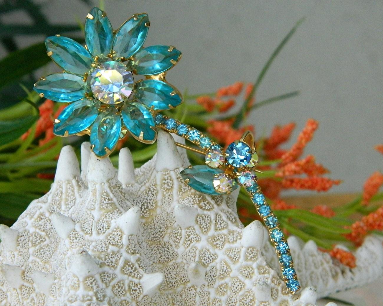 Vintage Juliana Rhinestone Long Stem Flower Pin Brooch Aqua Unsigned